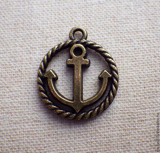 Фурнитура для украшений - подвеска для кулона, браслета или сережек в виде якоря в круге из каната (морская тема).  Диаметр подвески 1,5 см, цвет якоря античная бронза