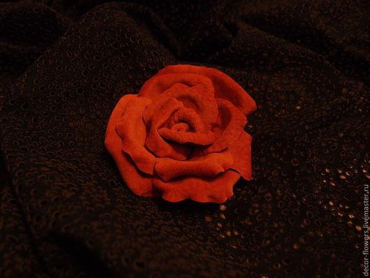 """Заколки ручной работы. Ярмарка Мастеров - ручная работа. Купить Роза из замши """"Романтик"""". Handmade. Коралловый, цветок из кожи"""
