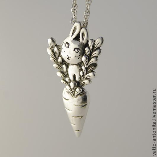 """Кулоны, подвески ручной работы. Ярмарка Мастеров - ручная работа. Купить """"Кролик с морковкой"""" кулон из серебра. Handmade. Кролик"""