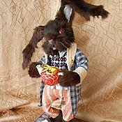 Куклы и игрушки ручной работы. Ярмарка Мастеров - ручная работа Мартовский заяц, Алиса в стране чудес, авторская коллекционная кукла. Handmade.