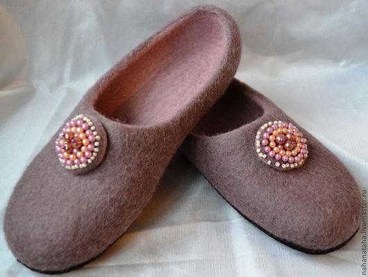 """Обувь ручной работы. Ярмарка Мастеров - ручная работа. Купить Тапочки войлочные """"Какао"""". Handmade. Коричневый, тапочки женские"""