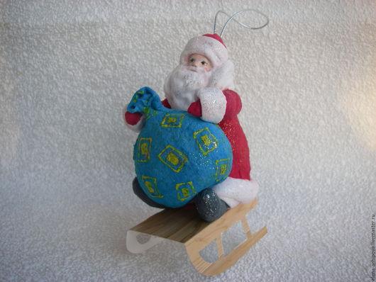 """Сказочные персонажи ручной работы. Ярмарка Мастеров - ручная работа. Купить Ёлочная игрушка из ваты """"Дед Мороз на санках"""". Handmade."""