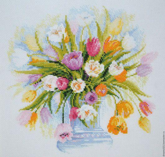 """Картины цветов ручной работы. Ярмарка Мастеров - ручная работа. Купить Картина вышитая крестиком """"Акварельные тюльпаны"""" от Риолис. Handmade."""