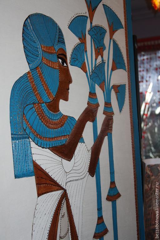 Роспись в интерьере при входе в кухню  в египетском стиле