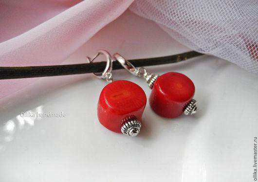 Серьги Коралловые, Красный Коралл, металл под Серебро, серьги с кораллом, серьги с камнями, авторская бижутерия, ярко-красный, коралловые серьги, красные сережки, фото серьги колье браслет, подарок де