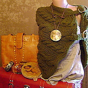 Одежда ручной работы. Ярмарка Мастеров - ручная работа ,,Легенды осени,,пончё с муфтой. Handmade.