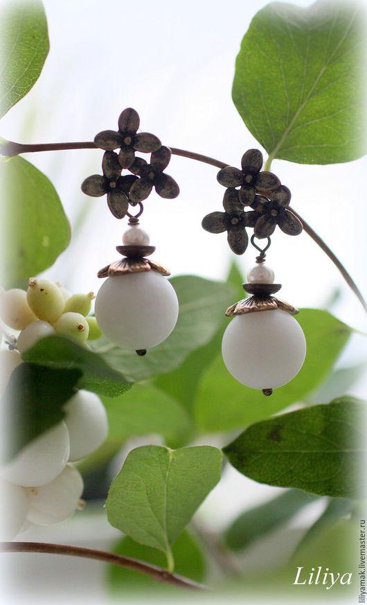 """Серьги ручной работы. Ярмарка Мастеров - ручная работа. Купить Серьги """"Белоснежные ягодки """". Handmade. Белый, серьги"""