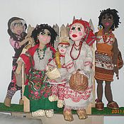 Куклы и игрушки ручной работы. Ярмарка Мастеров - ручная работа СЕМЕЙКА НА СКАМЕЙКЕ куклы ручной работы. Handmade.