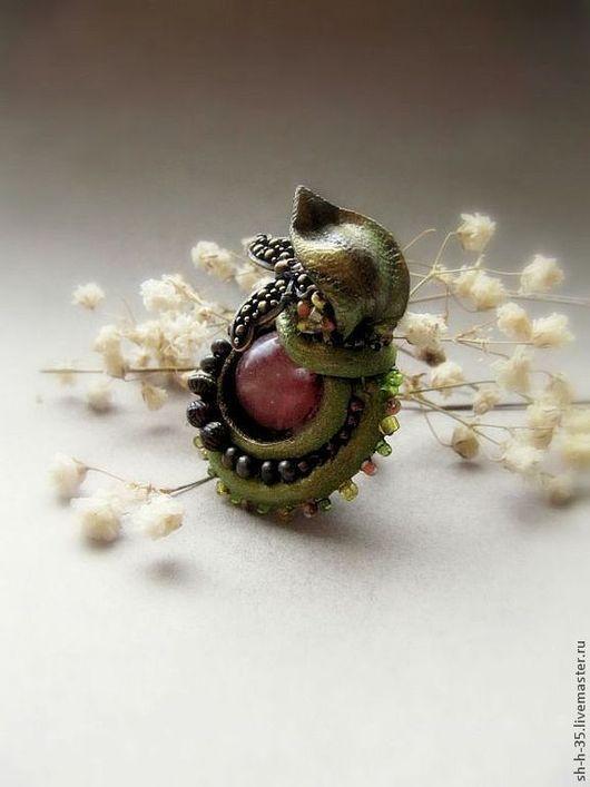 """Кольца ручной работы. Ярмарка Мастеров - ручная работа. Купить Кольцо """"Коронация яблочной бабочки"""". Handmade. Кольцо из кожи"""