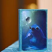 """Подарки к праздникам ручной работы. Ярмарка Мастеров - ручная работа Кожаная обложка для паспорта """"Стич"""". Handmade."""
