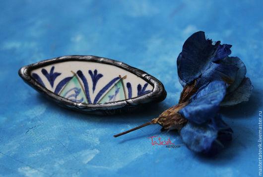 """Броши ручной работы. Ярмарка Мастеров - ручная работа. Купить Брошь""""  Синий цветок"""" кусочек Риштанской керамики.. Handmade."""