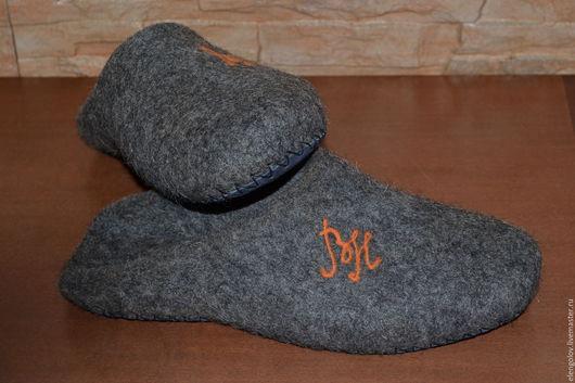 Обувь ручной работы. Ярмарка Мастеров - ручная работа. Купить валяные тапочки мужские. Handmade. Темно-серый, обувь для дома