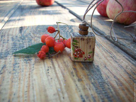 Кулоны, подвески ручной работы. Ярмарка Мастеров - ручная работа. Купить Рябинушка....Кулон из дерева с росписью.. Handmade. Оранжевый