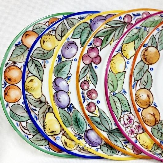 Тарелки ручной работы. Ярмарка Мастеров - ручная работа. Купить Роспись фарфора Набор  тарелок  Фрукты радуги. Handmade. Тарелка