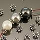 Металлические разделители бусин спейсеры Шарики цвет серебро для сборки украшений\r\nСплав цинка без добавления свинца и кадмия с покрытием античное серебро\r\nПример сочетания с бусинами диаметром 10