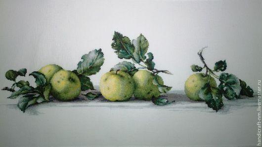 Натюрморт ручной работы. Ярмарка Мастеров - ручная работа. Купить Яблоки. Handmade. Вышивка, яблоки, интерьер, ручная работа, кухня
