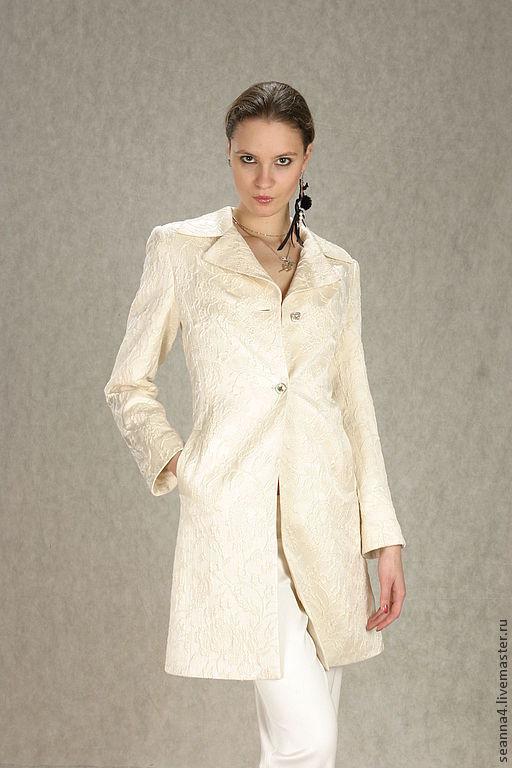 """Верхняя одежда ручной работы. Ярмарка Мастеров - ручная работа. Купить Пальто из шелкового жаккарда """"Экрю"""" на шелковой подкладке. Handmade."""