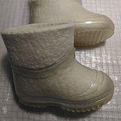 Обувь ручной работы. Ярмарка Мастеров - ручная работа Белые детские валенки 14см,  с галошами. Handmade.