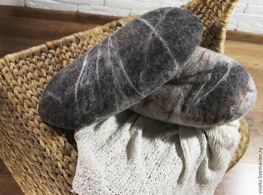 """Текстиль, ковры ручной работы. Ярмарка Мастеров - ручная работа. Купить Подушка """"Войлочный валун"""". Handmade. Серый, Аксессуары handmade"""