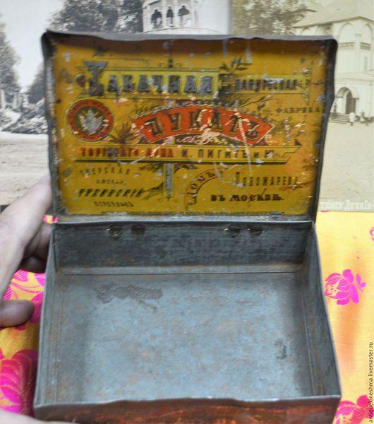 Винтажные предметы интерьера. Ярмарка Мастеров - ручная работа. Купить Жестяная коробка из под табака Дукат до 1917 года. Handmade.