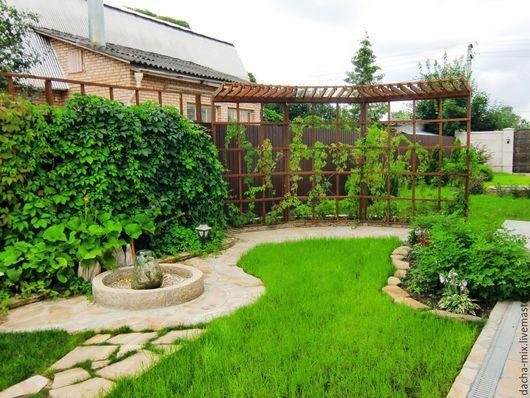 Перголы, решетки для вертикального озеленения и зонирования участка. Выполняются индивидуально с привязкой к ландшафтному оформлению участка. Ручная работа.