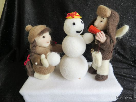 Человечки ручной работы. Ярмарка Мастеров - ручная работа. Купить Малыши Оля и Борька лепят снеговика, игрушки из шерсти. Handmade.