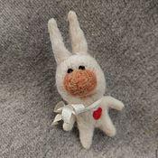 """Украшения ручной работы. Ярмарка Мастеров - ручная работа Брошь """"Влюбленный заяц"""". Handmade."""