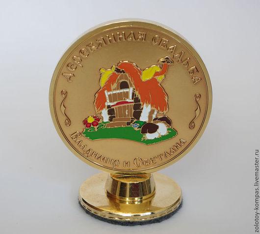 Подарки для влюбленных ручной работы. Ярмарка Мастеров - ручная работа. Купить Медаль юбилейная. Handmade. Медаль, медаль на подставке