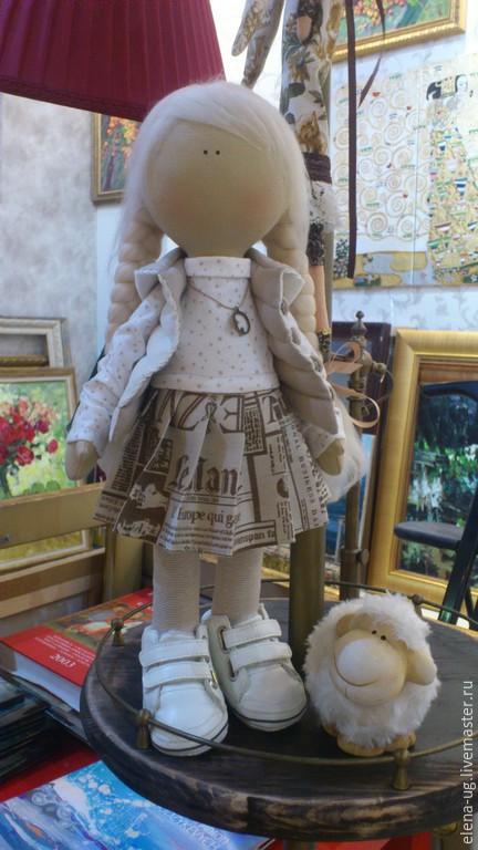 Коллекционные куклы ручной работы. Ярмарка Мастеров - ручная работа. Купить Интерьерная текстильная девочка в бежевом. Handmade. Бежевый