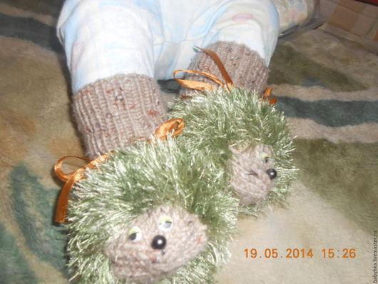 """Детская обувь ручной работы. Ярмарка Мастеров - ручная работа. Купить Носочки-пинетки""""ежики"""". Handmade. Комбинированный, детская пряжа"""
