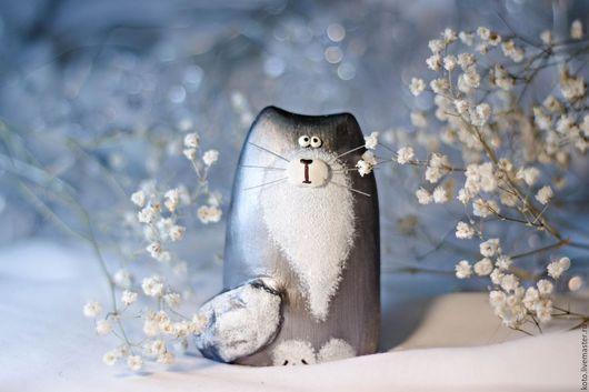 Статуэтки ручной работы. Ярмарка Мастеров - ручная работа. Купить Статуэтка кот / кошка серебристый дымчатый - подарок на 8 марта. Handmade.