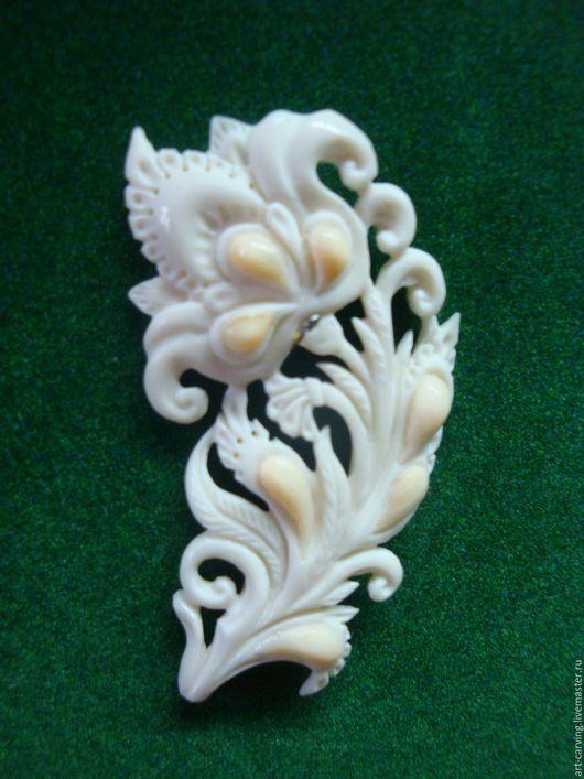 """Броши ручной работы. Ярмарка Мастеров - ручная работа. Купить брошь из кости """"Аленький цветочек"""". Handmade. Комбинированный, белый, коричневый"""