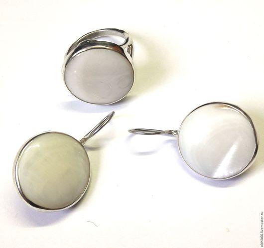 Комплекты украшений ручной работы. Ярмарка Мастеров - ручная работа. Купить Комплект Пеламутр малый серебро. Handmade. Белый