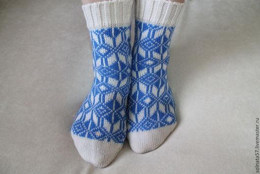 Носки, Чулки ручной работы. Ярмарка Мастеров - ручная работа. Купить Носки бело-синие. Handmade. Орнамент, подарок женщине