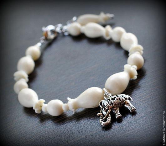 """Браслеты ручной работы. Ярмарка Мастеров - ручная работа. Купить Браслет """"Белый слон"""" кость, серебро.. Handmade. Белый"""