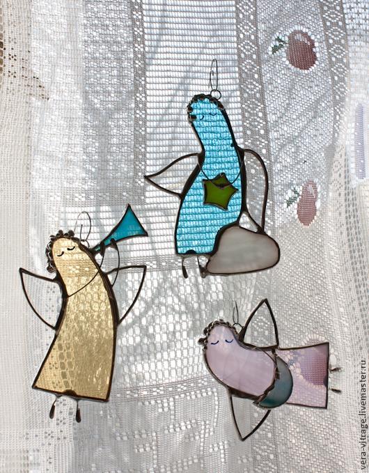 Персональные подарки ручной работы. Ярмарка Мастеров - ручная работа. Купить Модерновые ангелочки. Витражные подвески. Стекло, металл. Handmade.