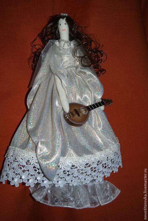 Куклы Тильды ручной работы. Ярмарка Мастеров - ручная работа. Купить Тильда с домброй. Handmade. Белый, кукла ручной работы