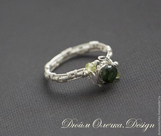 """Кольца ручной работы. Ярмарка Мастеров - ручная работа. Купить Серебряное кольцо """"Дриада"""" с турмалином и перидотами. Handmade. Зеленый"""