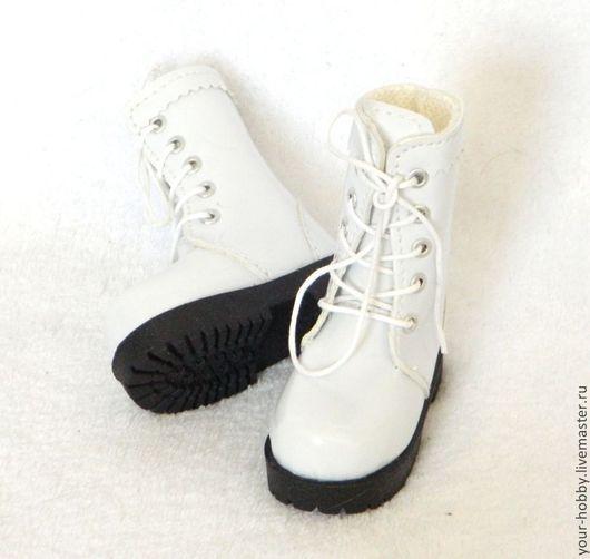 Куклы и игрушки ручной работы. Ярмарка Мастеров - ручная работа. Купить Сапожки 7,2см лакированные, обувь для кукол. Handmade.