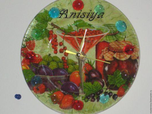 """Часы для дома ручной работы. Ярмарка Мастеров - ручная работа. Купить Часы """"Ягодные"""". Handmade. Комбинированный, часы для кухни, стекло"""