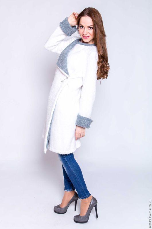 Верхняя одежда ручной работы. Ярмарка Мастеров - ручная работа. Купить Пальто. Handmade. Белый, Итальянская пряжа
