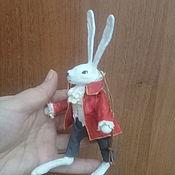 Елочные игрушки ручной работы. Ярмарка Мастеров - ручная работа Елочные игрушки: Белый кролик. Handmade.