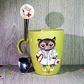 """Кружки ручной работы. Ярмарка Мастеров - ручная работа Чашка """"Сова-доктор"""". Handmade."""