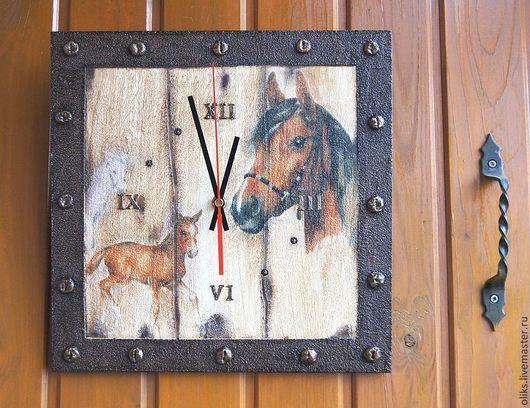 Часы для дома ручной работы. Ярмарка Мастеров - ручная работа. Купить Часы настенные Лошадки. Handmade. Часы настенные, умбра