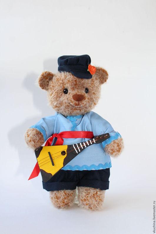 мишка балалайка балалаечник балалаешник вязаная игрушка мишка тедди сувенир русский стиль русский народный костюм инструмент музыкант музыкальный инструмент подарок