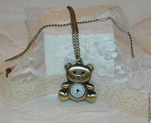 """Часы ручной работы. Ярмарка Мастеров - ручная работа. Купить Часы-кулон-брелок """"Мой ласковый Мишка!"""". Handmade. Разноцветный"""