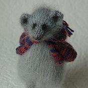 Куклы и игрушки ручной работы. Ярмарка Мастеров - ручная работа Мышка в кофточке - мышь вязаная. Handmade.