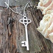 Украшения ручной работы. Ярмарка Мастеров - ручная работа Кулон большой ключ на серебряной цепочке. Handmade.