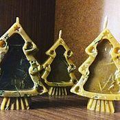 Подарки к праздникам ручной работы. Ярмарка Мастеров - ручная работа Свечи-ёлочки из воска. Handmade.