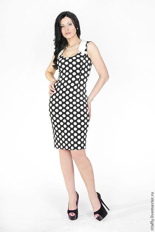 летнее платье футляр в горох, офисное платье на лето в горошек